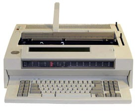 IBM Typewriter - Wheelwriter 25 - with LCD Display, 32K Memory & SpellCheck Dictionary.